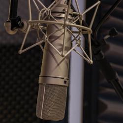 Micro neumann u87 cabine studio enregistrement A